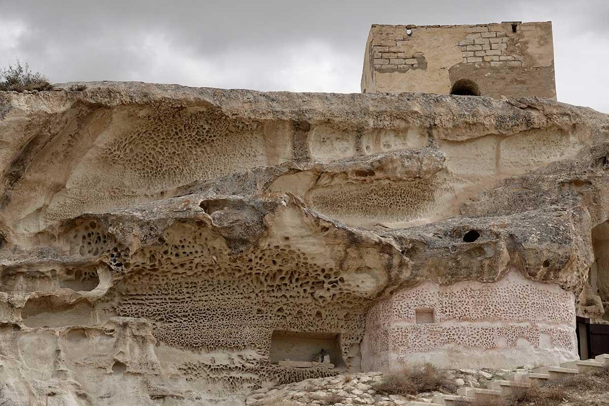 Пещерная мечеть Шакпак-ата