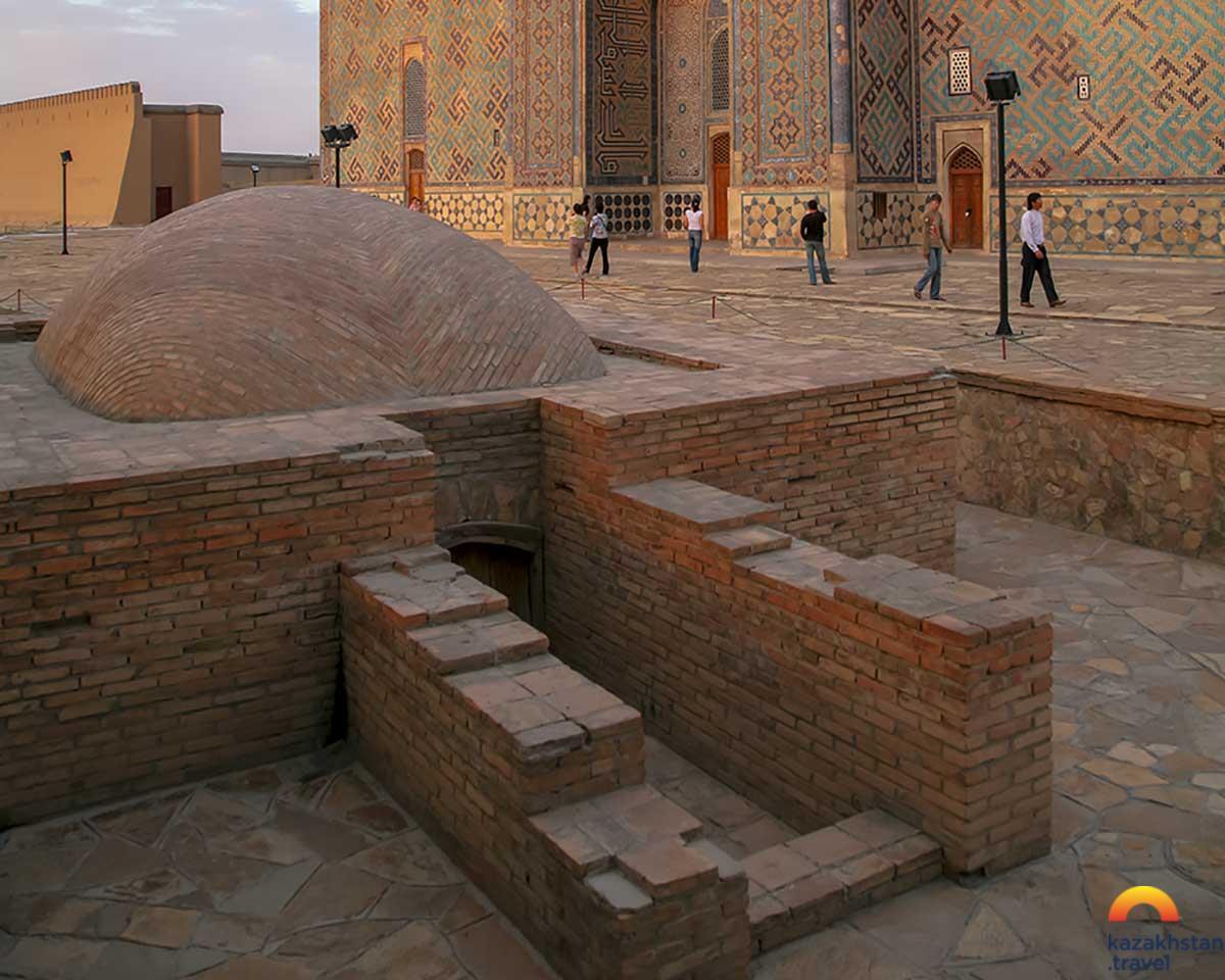 """""""Hilvet"""" Underground Mosque"""