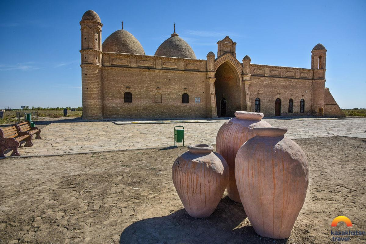 "Mausoleum ""Arystan- Bab"""