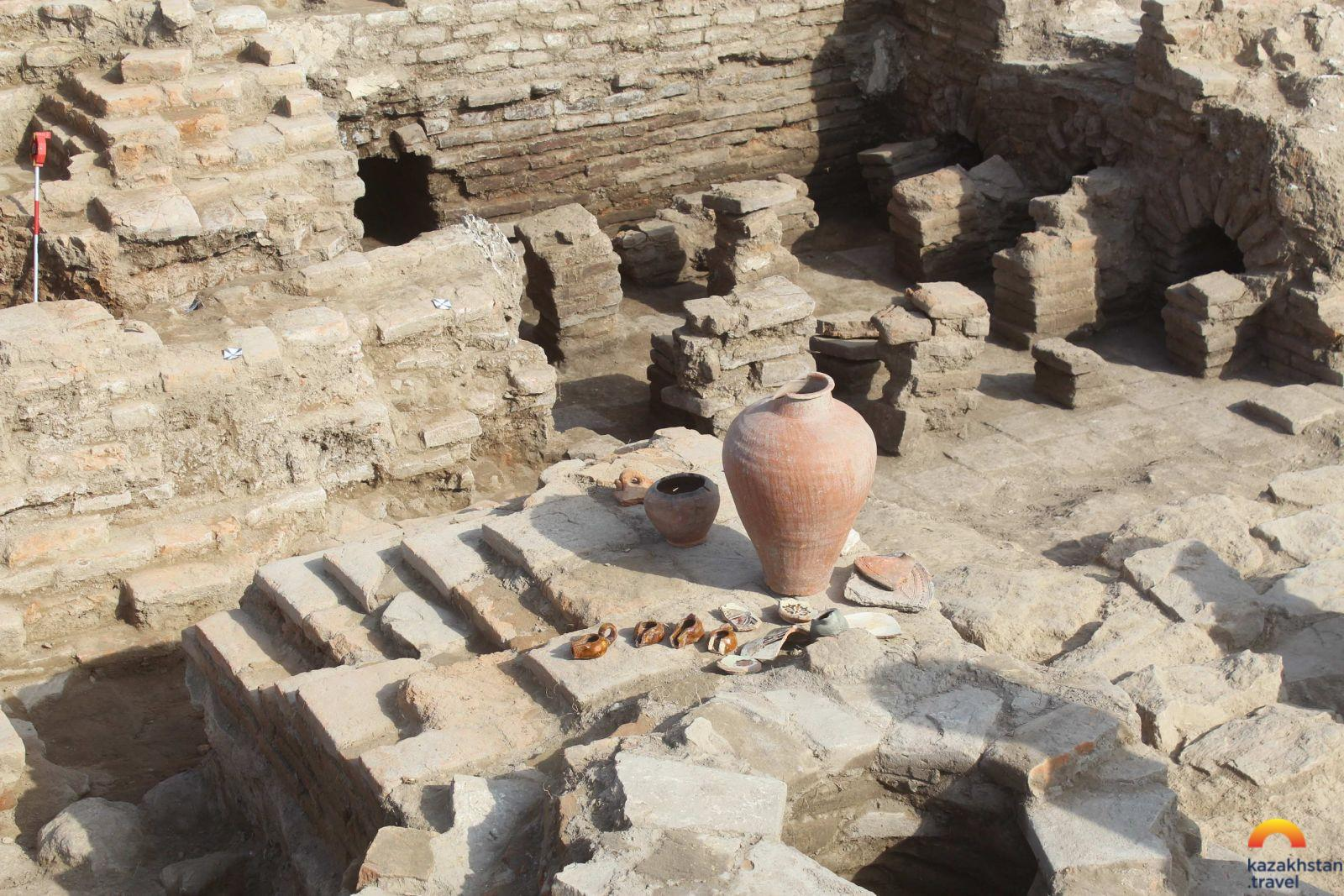 The ancient city of Sayram